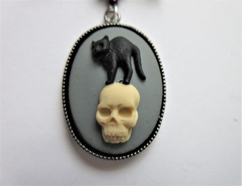 The Black Cat Necklace