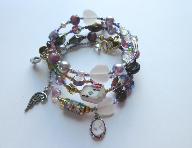 Lilac glass pearls represent Violetta, central character of La Traviata.