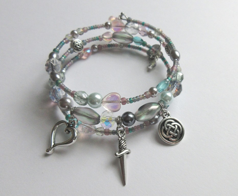 The Lucia's Love Bracelet is inspired by the love duet from Act 1 of Donizetti's tragedy, Lucia di Lammermoor.