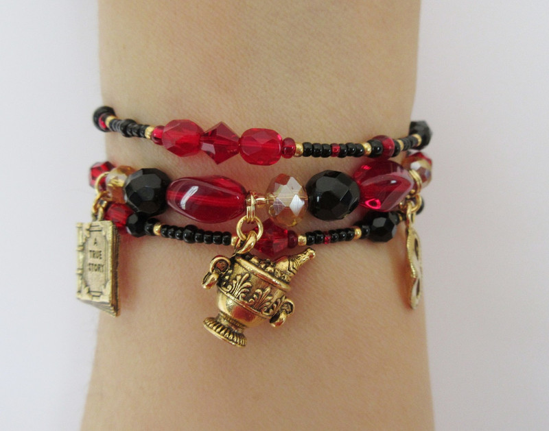 The music of Mozart's Don Giovanni is celebrated in the Giovanni's Fate Bracelet.