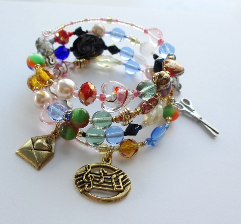 The Barber of Seville Bracelet tells the story of the opera through beads and charms.