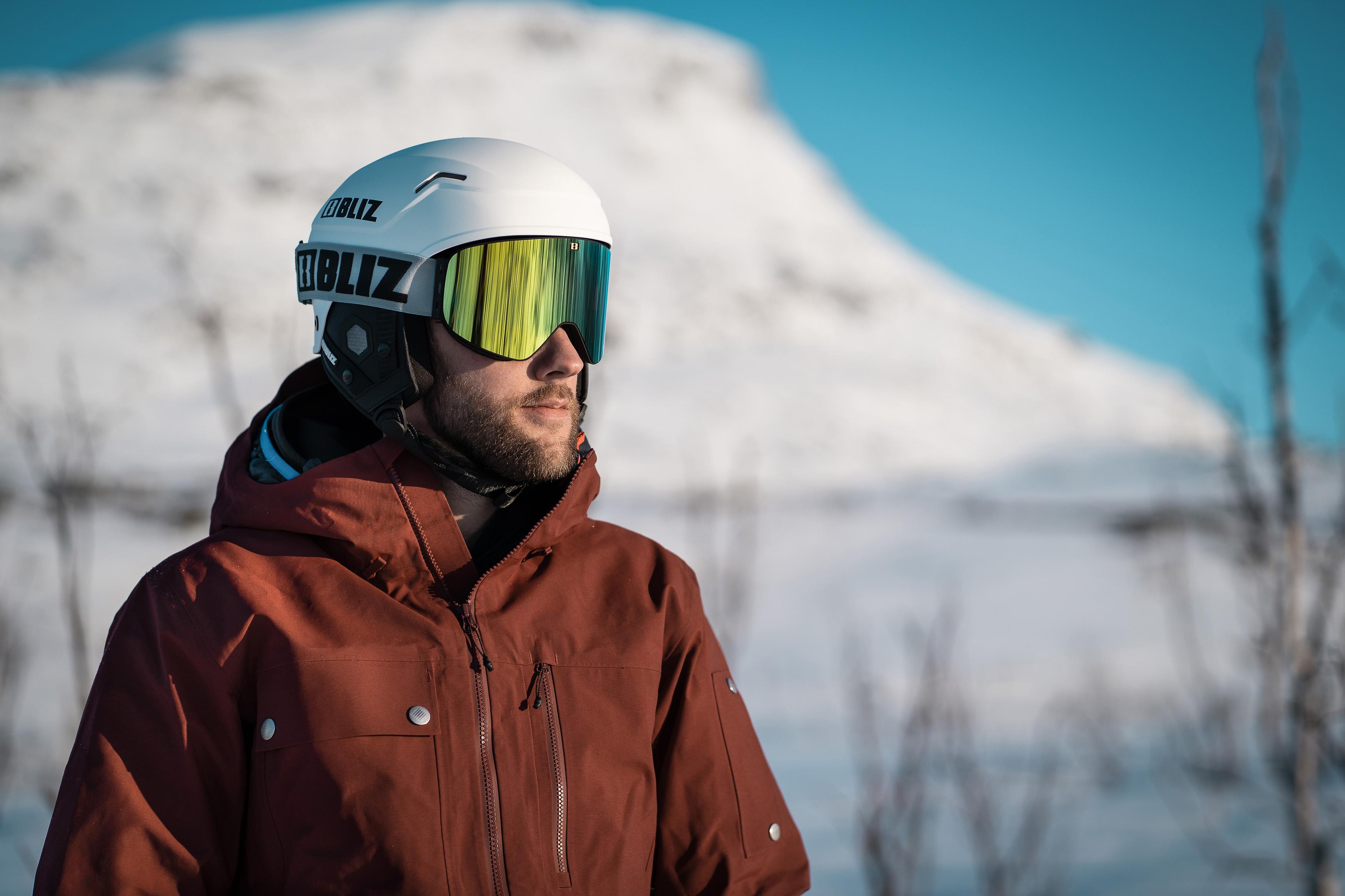 37146-19-flow-55808-00-evo-bliz-ski-goggles-ski-helmet-adventure-matt-white-sportsglasses-lifestyle1.jpg