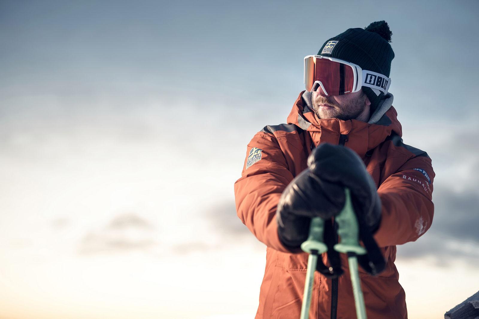 39129-04-nova-bliz-ski-goggles-black-skicross-goggles-viktor-sticko-lifestyle2-medium.jpg