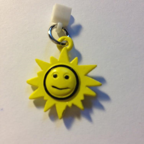 Pop Girl Ear Bud Charm: Sunshine