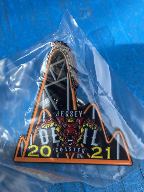 ✅2021 First Day New Jersey Devils Rollercoaster collectible Member Six Flags Pin