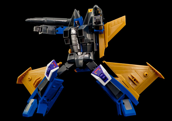 Maketoys Remaster Series - MTRM-15 Endgame (With Bonus)