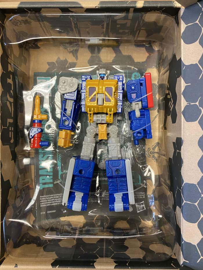 Transformers Generations Selects - Earthrise - Greasepit Exclusive