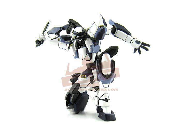 Revoltech 081 - ARX-7 Arbalest