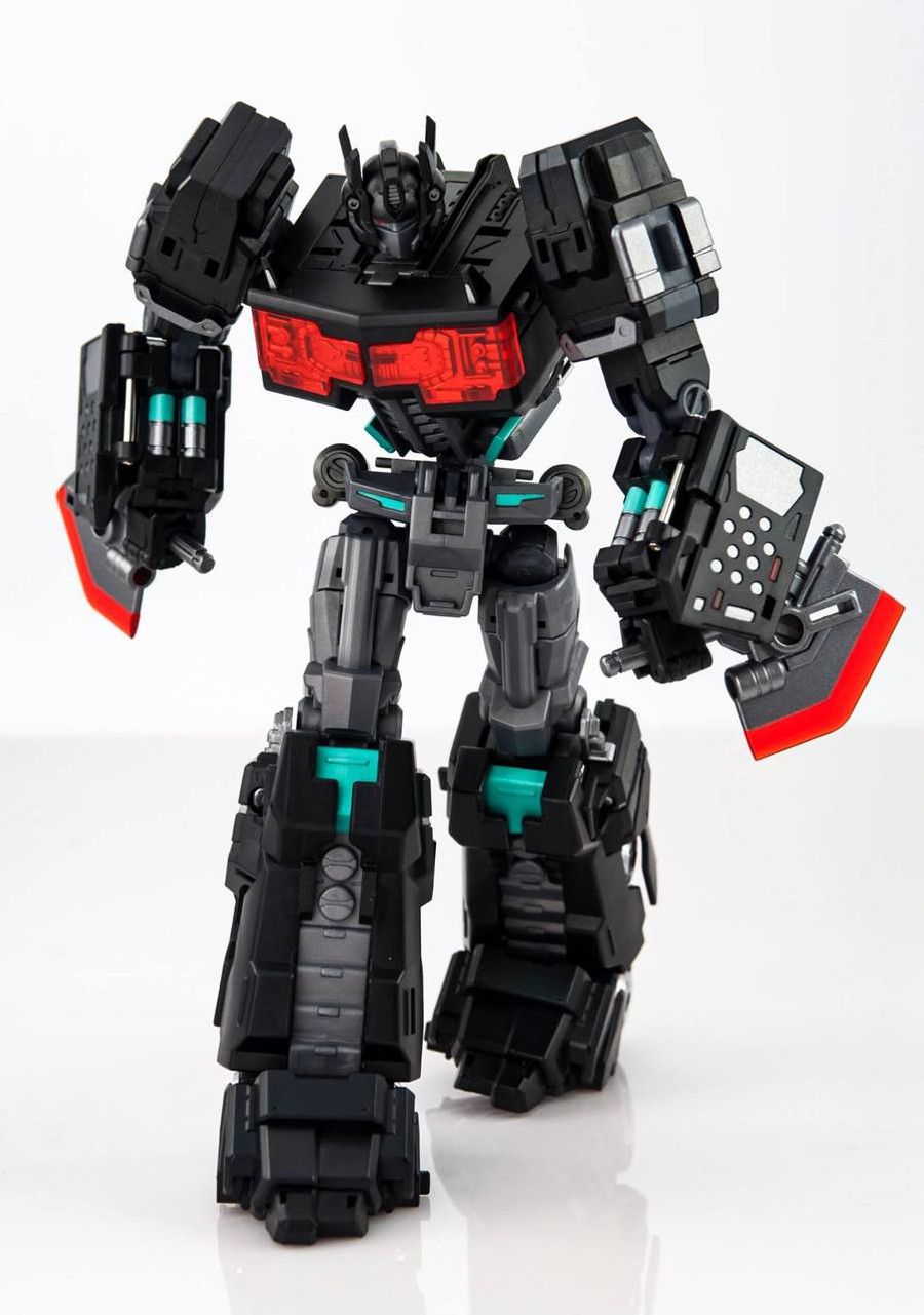 MakeToys - Cross Dimension - MTCD-01SP Striker Noir (Limited Edition)