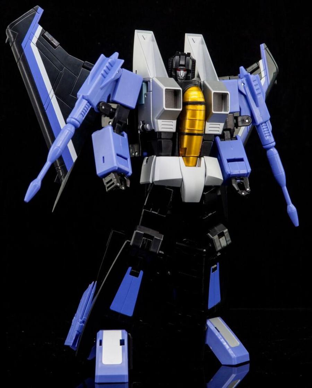 Maketoys Remaster Series - MTRM-12 Skycrow
