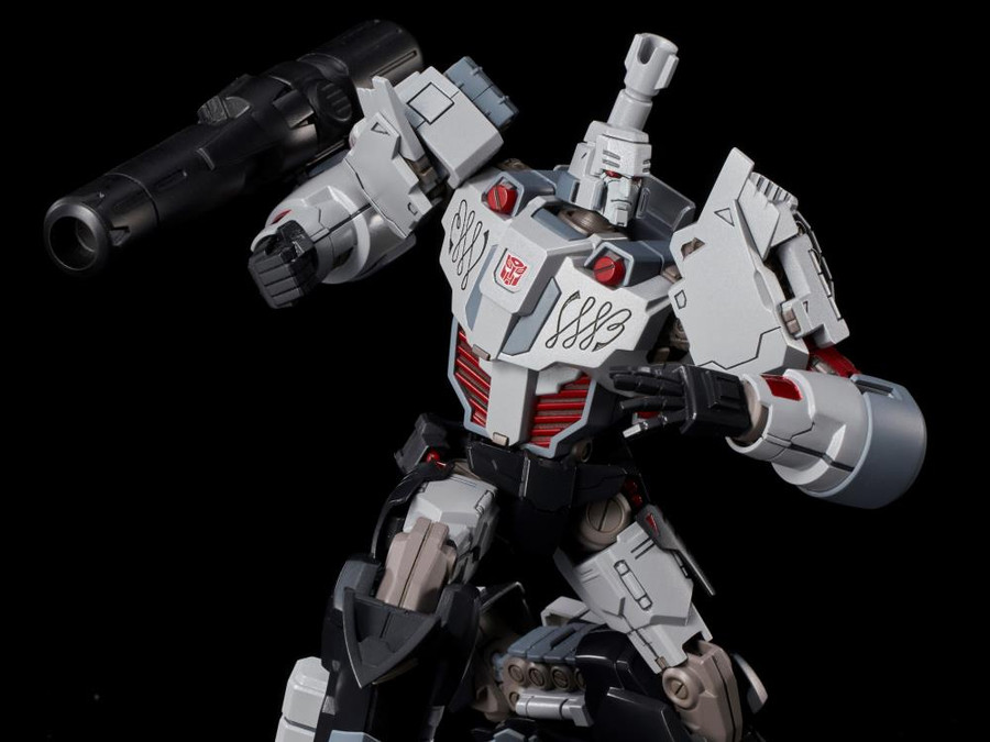 Flame Toys - Furai Model 06: Megatron IDW Autobot Version Model Kit