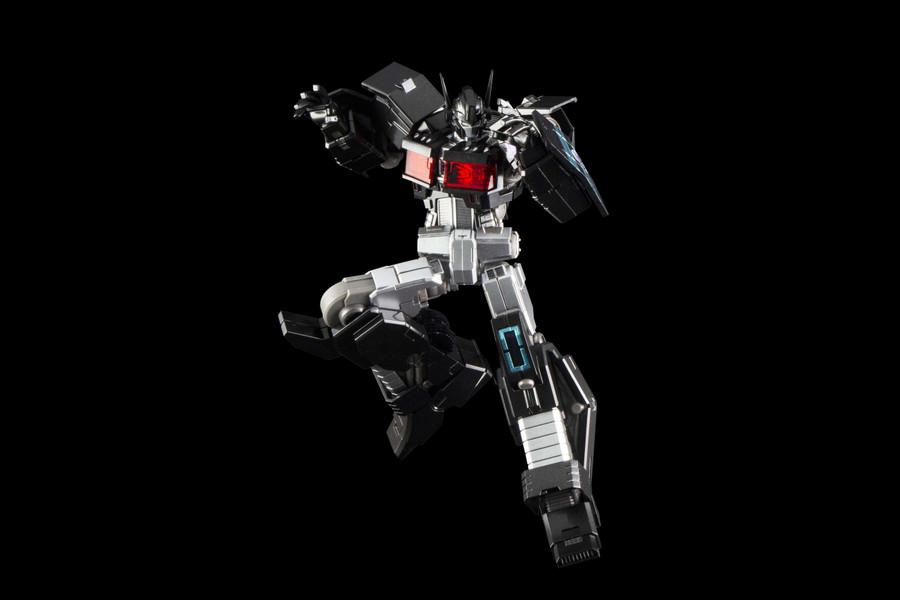 Flame Toys - Furai Model 03: Optimus Prime IDW (Nemesis Version)