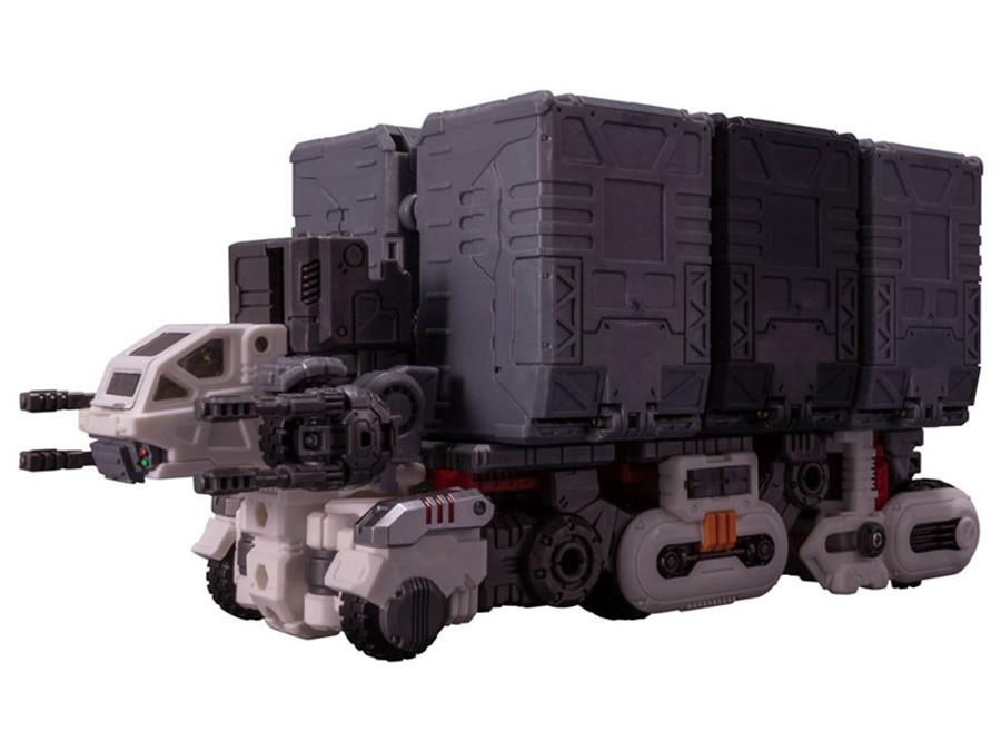 Diaclone Reboot - DA-37 Strike Buffalo Moon Assaulter