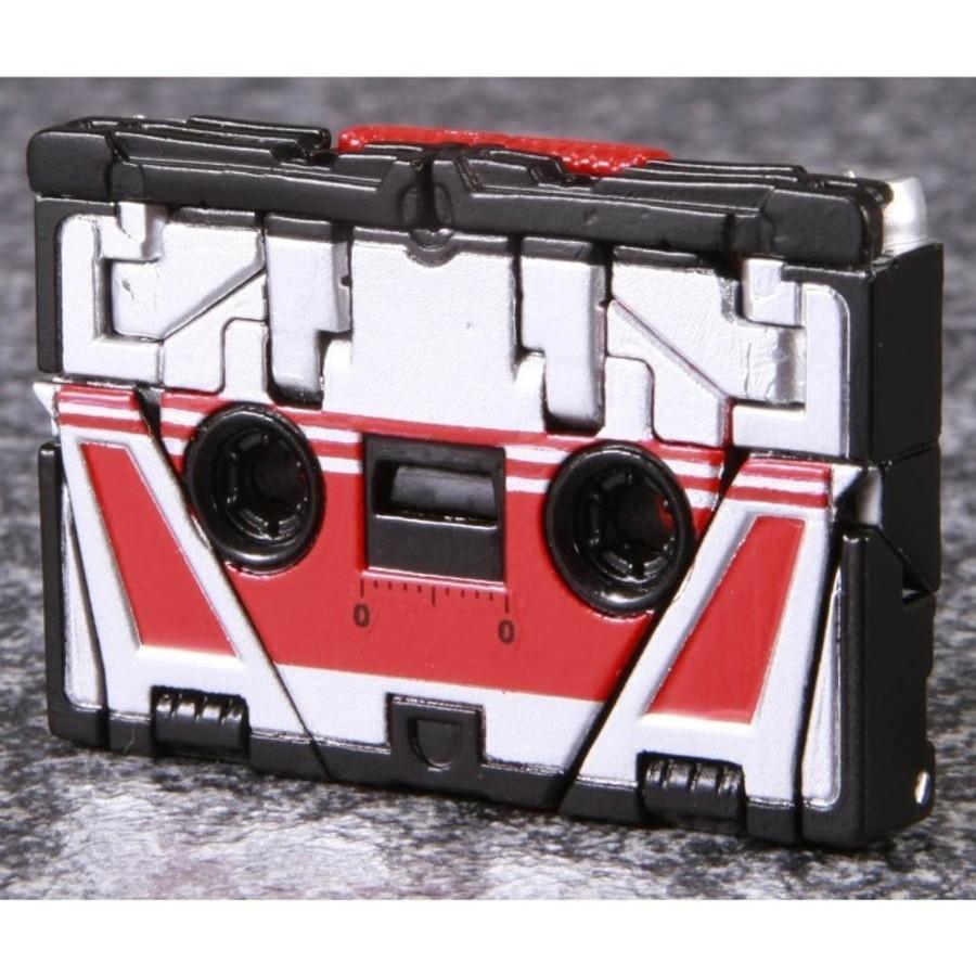 MP-13 Masterpiece Soundwave