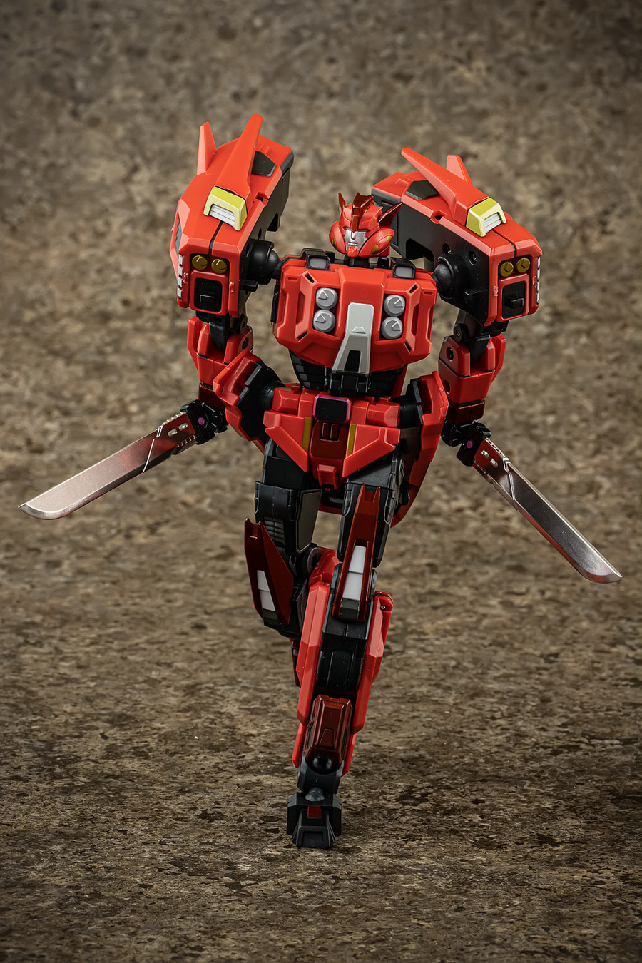 Mastermind Creations - Reformatted R-32SG Stray Shadow Ghost (TFcon)