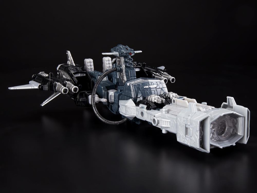 Transformers Generations Selects - Leader Shockwave (Exclusive)