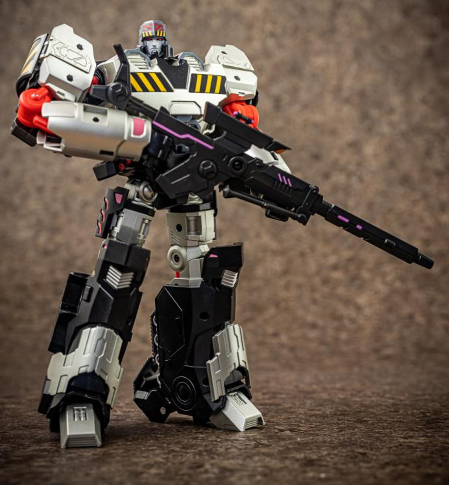 Mastermind Creations - Reformatted R-40 - Jaguar with Tyrantron Upgrade Kit