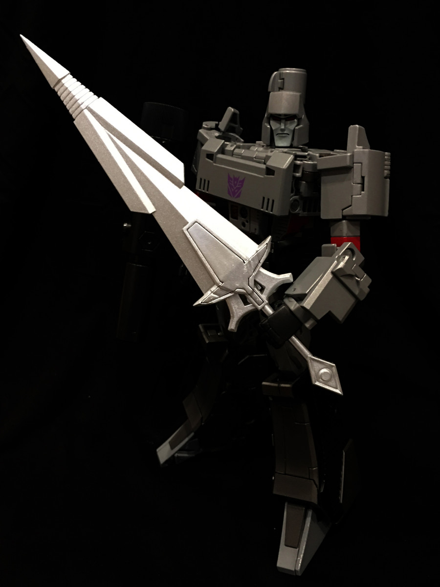 Prof Heisenberg - T01S Tyrant's Blade Silver