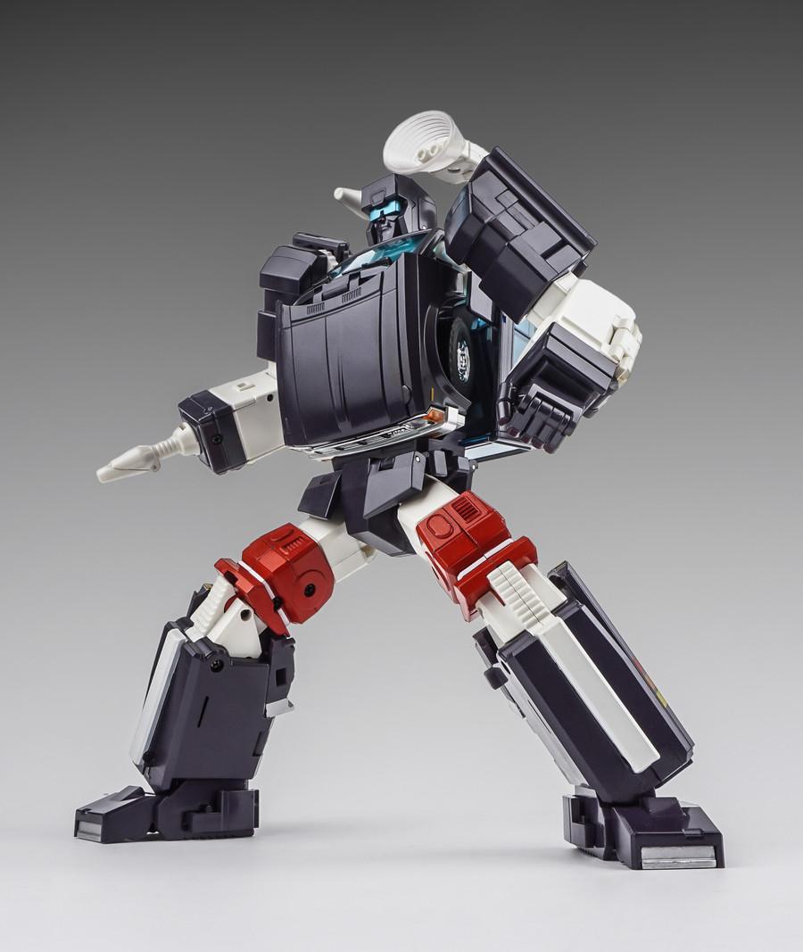 X-Transbots - MX-8T Aegis (Cartoon Version)