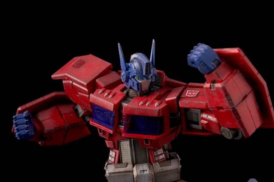 Flame Toys - Furai Action: Optimus Prime (IDW Version) (Restock)