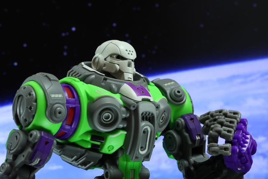 Toy Notch - Astrobots A00 Apollo (Prototype) Exclusive