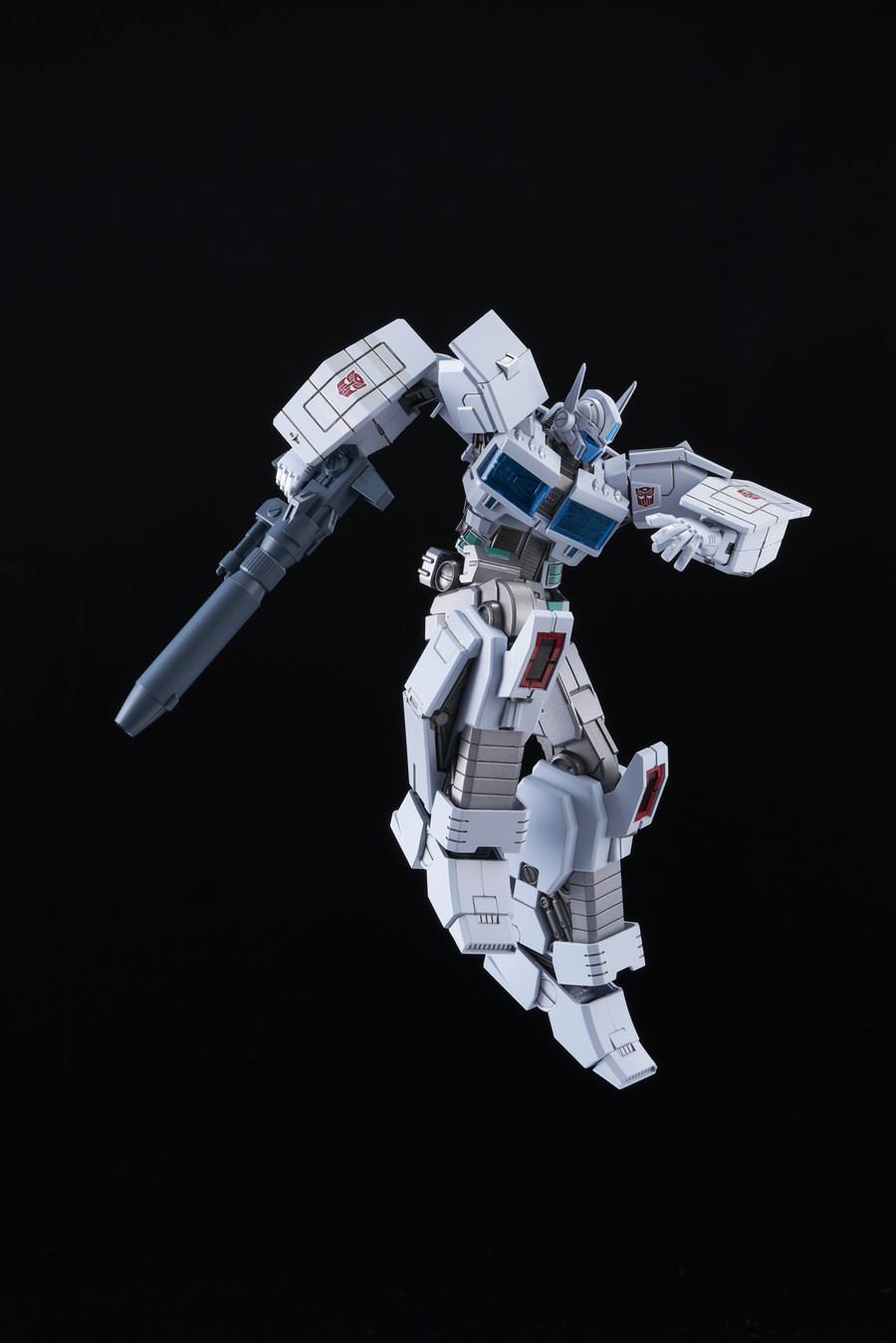 Flame Toys - Furai Model 15: Ultra Magnus IDW Model Kit