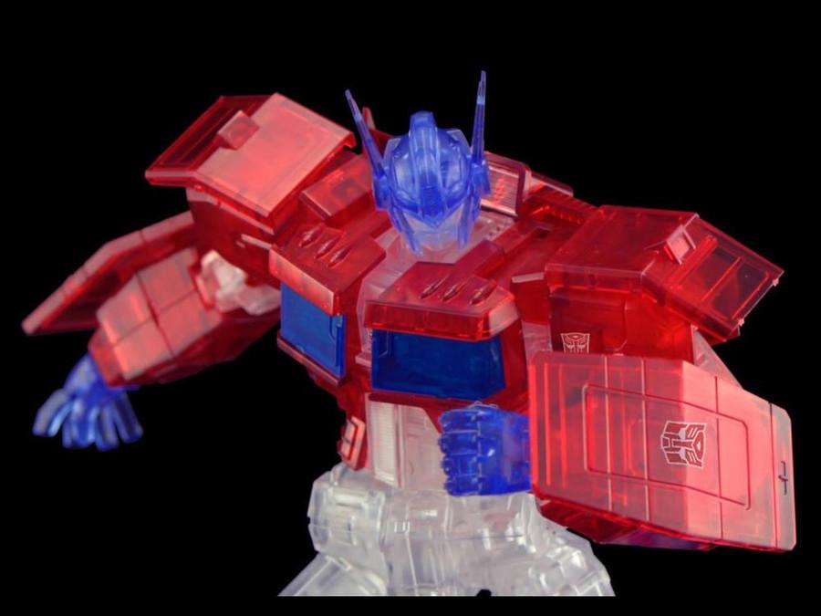 Flame Toys - Furai Model 03C: Optimus Prime IDW Version [Clear] SDCC 2020 Exclusive