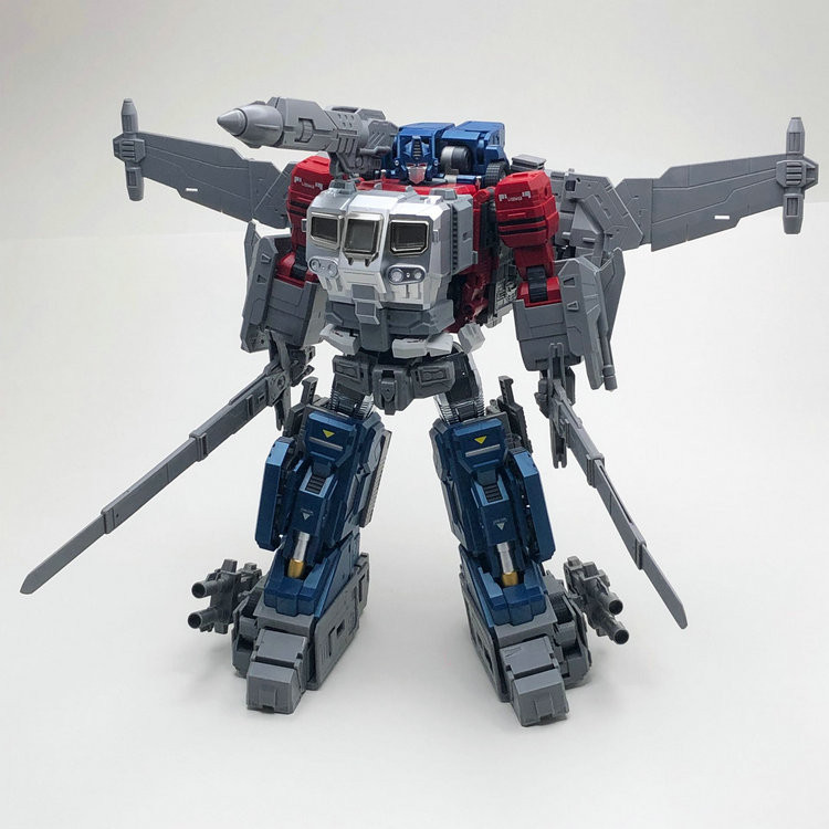 Transformers News: Ages Three and Up: ThreeA Bumblebee Movie Optimus Prime DLX, Gigapower figures and more!
