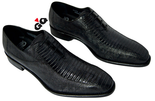 This exceptional quality all-over Lizard skin footwear model is handmade in Italy with a stylish lace-up and it is fully leather lined, with a leather sole. Made in Italy.