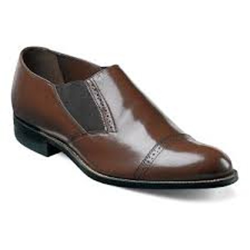 Known fondly by long-time Stacy Adams fans as the ‰ÛÏOriginal Stacy Adams Biscuit Toe,‰Û this fashionable dress shoe is transformed by elastic placed strategically for maximum comfort, style, and flexibility.