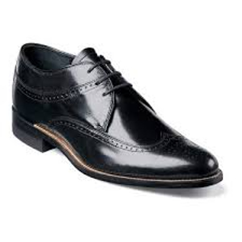 Simple, smooth, sophisticated: three words that together perfectly describes the Dayton. With remarkable construction and design, this shoe gives you the unmistakable air of someone to be respected.