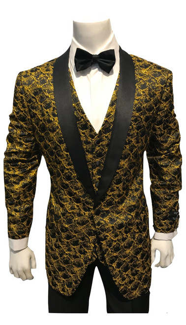 Timeless styling creates a wardrobe essential, enhanced by the SUPER 150'S high-quality.