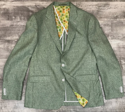 This is a must have addition to your wardrobe for this SEASON. There is so much you can do with this blazer. Have some fun and let your imagination go wild!Peak LapelsTwo Interior Chest PocketsLined PocketsModern FitImportedDry Clean OnlyDetailed