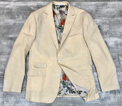 This is a must have addition to your wardrobe for this SEASON. 