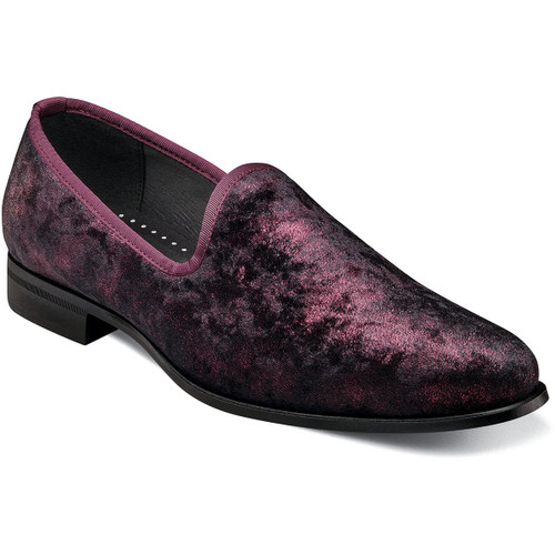This luxurious smoking slipper is made of a beautiful two-tone velour upper with satin fabric trim. We named it the Stacy Adams Sultan Velour Slip On because the sophisticated look, satin fabric lining, and cushioned insole will have you feeling like the ruler of all you survey. Soft velour upperSatin fabric liningsFully cushioned insole with Memory Foam for all-day comfortNon-leather outsole