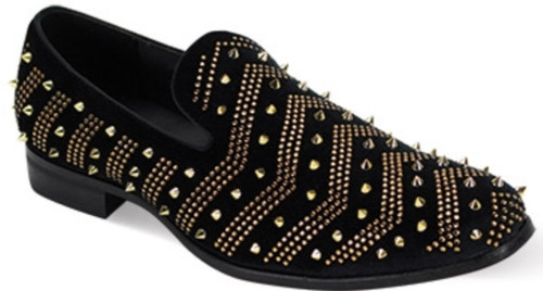 This fashion-forward smoking shoe features a modern silhouette that is highlighted by its luxurious Gold Studs and velour upper. This season, leave no head unturned with the Velour Slip On with dazzling gold studs.