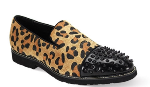 This fashion-forward shoe features a modern silhouette that is highlighted by its luxurious leopard print. This season, leave no head unturned with the Leopard print Slip On with a dazzling studded toe.