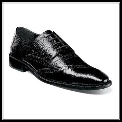 You‰Ûªll be dressed to the nines in the Garzon Leather Sole Cap Toe Oxford. Complete with luxuriously textured ostrich and eelskin print leather uppers and a refined profile, the Garzon will be the crown jewel of your shoe collection. Price are exclusive to online sales.