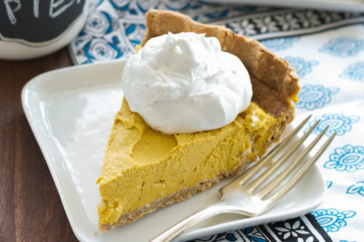creamy-vegan-pumpkin-pie-with-maca-1.jpg