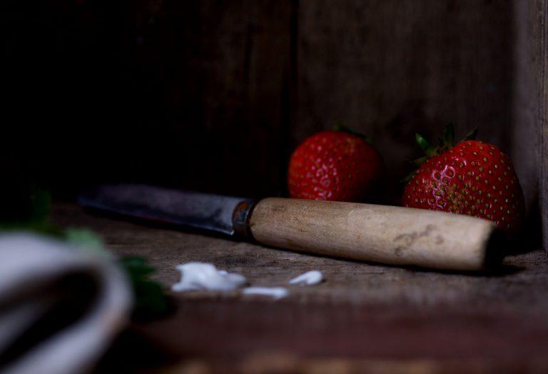 raw-maca-recipe-strawberry-sundae-6.jpg