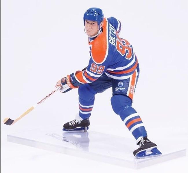 Wayne Gretzky McFarlane Legends Series 8 Figure Oilers White Chase Variant