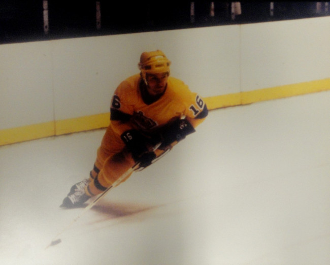 Marcel Dionne Unsigned 16x20 Photo Los Angeles Kings Skating Go Kings Go!