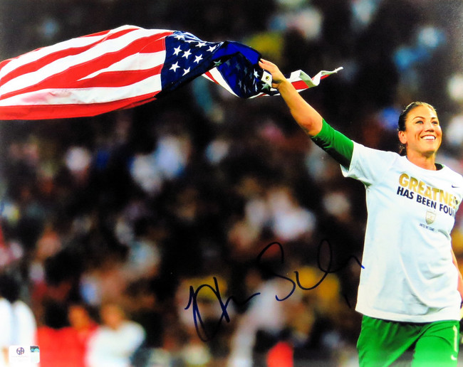 Hope Solo Signed Autographed 11X14 Photo Star Goalie Team USA Flag GV796571