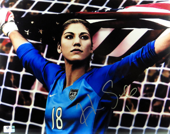 Hope Solo Signed Autographed 11X14 Photo Star Goalie in Net with USA Flag 796574