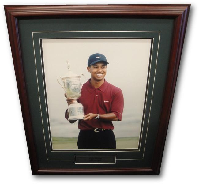 Tiger Woods Unsigned 16x20 Custom Framed Photo 2000 US Open Portrait UDA