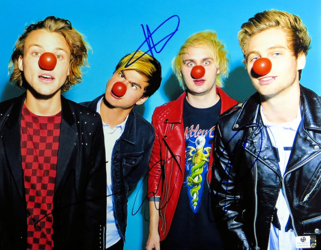 5 Seconds of Summer Band Signed 11X14 Photo Hemmings/Clifford/Hood/Irwin 834440