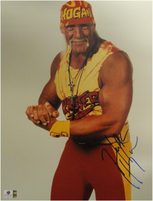 Hulk Hogan Hand Signed Autograph 11x14 Photo Sexy Flexing Posing JSA U16477