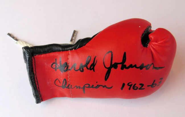 "Harold Johnson Signed Autographed Mini Boxing Glove ""Champion 1962-63"" GV819125"