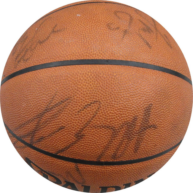 2001-02 Los Angeles Clippers Team Signed Basketball Lamar Odom Miles Brand GA