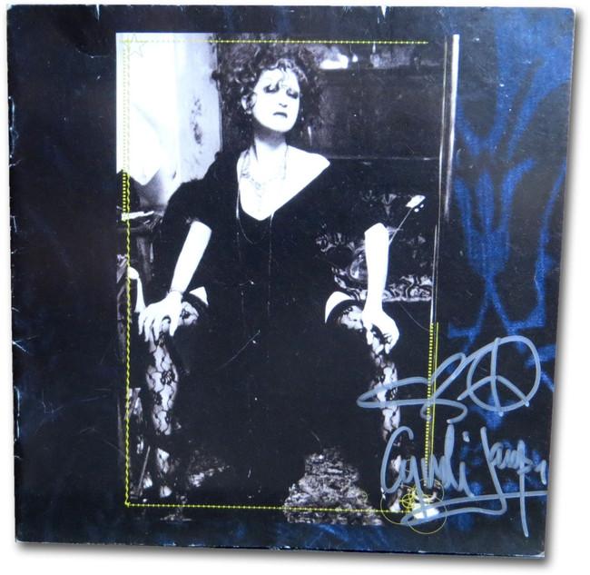 Cyndi Lauper Signed Autographed CD Booklet Memphis Blues JSA DD36046